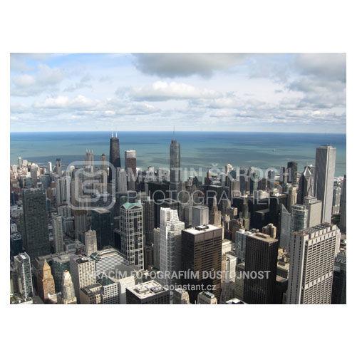 Běžná dovolenková fotografie mrakodrapů zkompaktu.